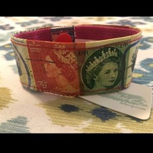 Queen Elizabeth bracelet by Blue Q